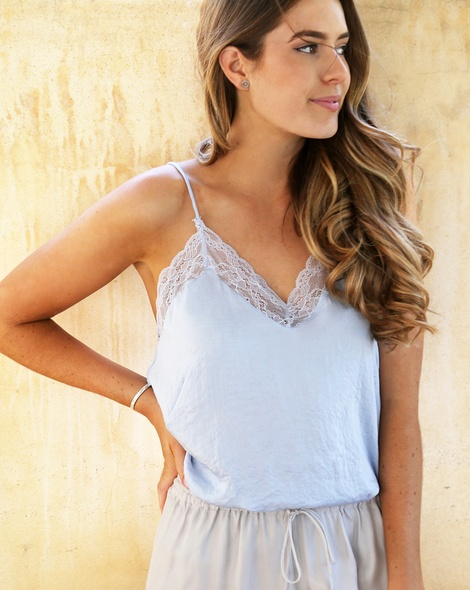 Shiona Lace camisole ice + Vinnie pant oyster (4)