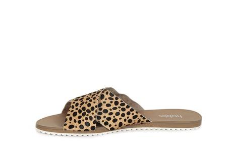 CORA leopard C