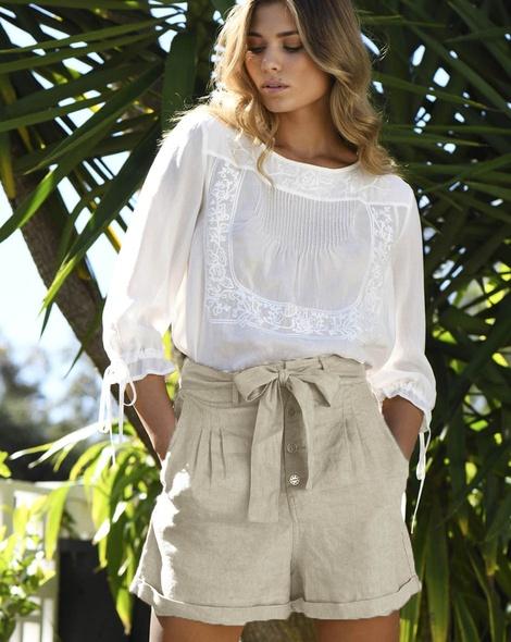 Remi shorts stone tallow top