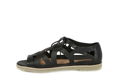 JUXTA black C copy