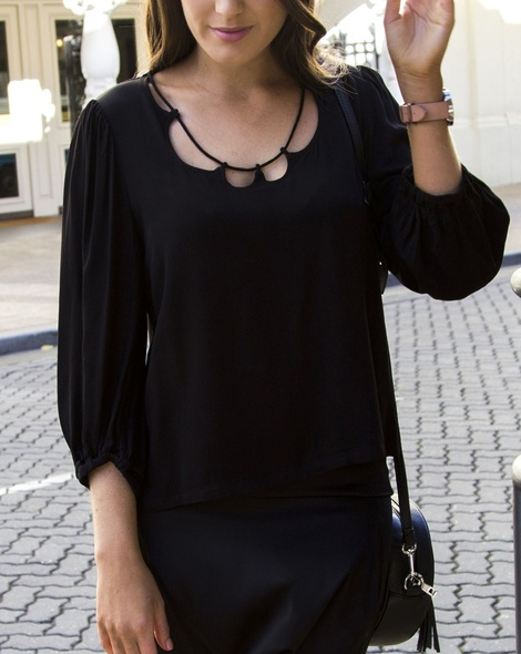 Whisper top blk (38)