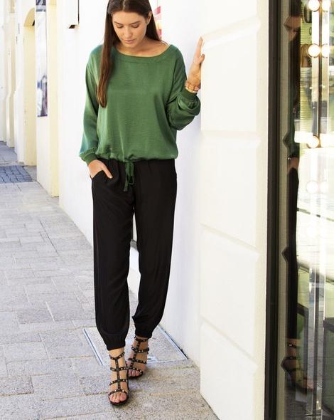 delma top green
